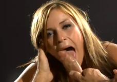 Keli spermos lašai į burną