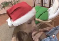 Per Kalėdas ji norėjo tiesiog ilgo ir gero analinio sekso ir spermos ant veido iš storo penio