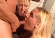 Dvi žiaurios blondinės ir penis